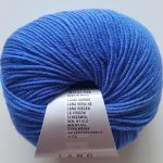 0031 Kirkas sininen